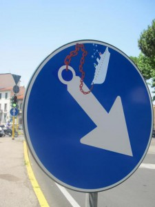 Clet-Abraham-Street-Art-Signs-France-Paris-Florence-Italy-Rome-018