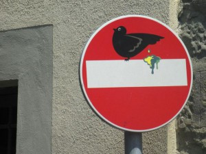 Clet-Abraham-Street-Art-Signs-France-Paris-Florence-Italy-Rome-020