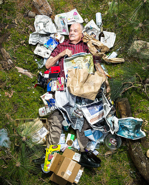 7-days-of-garbage-environmental-photography-gregg-segal-6